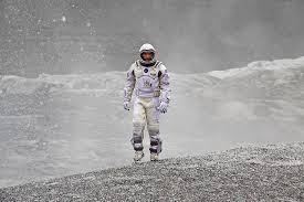 Interstellar - 1 astronaut